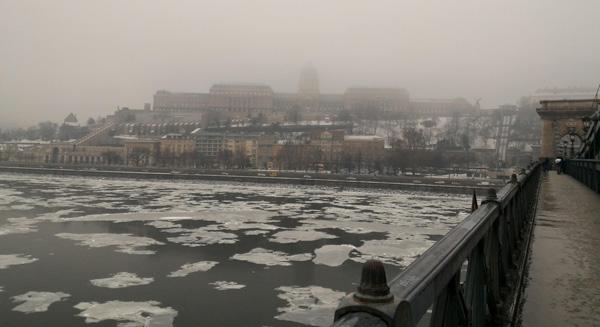 Tuna Nehri ve Buda Kalesi