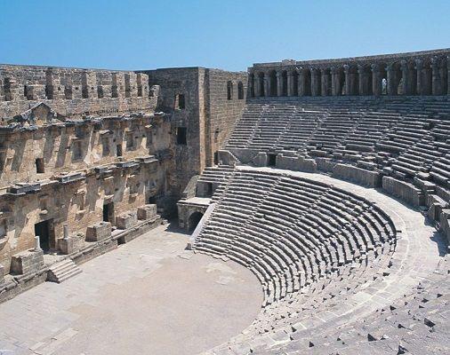 aspendos tiyatrosu ve antik kenti örenyeri