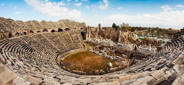 Side Antik Tiyatrosu Roma Mimarisi Anfi Şeklinde