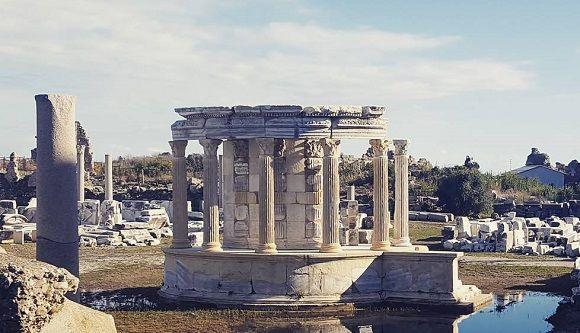 Tyche Tapınağı Side - Antalya Manavgat Gezilecek Yerler
