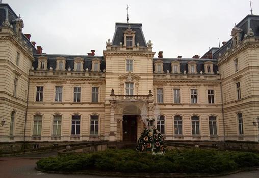 Ukrayna Lviv Potocki Palace gece hayatı