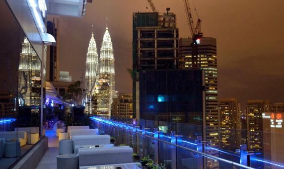 kuala lumpur gece hayatı fiyatları - malezya başkenti view rooftop bar