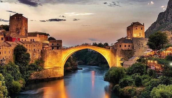 ilkbaharda gezilecek yerler gidilecek ülkeler saraybosna mostar köprüsü