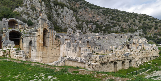 myra antik kenti nerede, nasıl bir yer, antalya demre gezilecek yerler