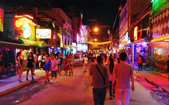 filipinlere nasıl gidilir, angeles city gece hayatı walking street