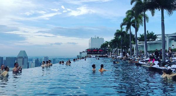 marina bay sands hotel sonsuzluk havuzu infinity pool