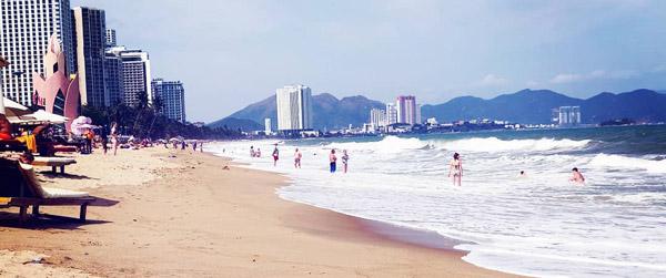 nha trang vietnam plajları denize girilecek yerler