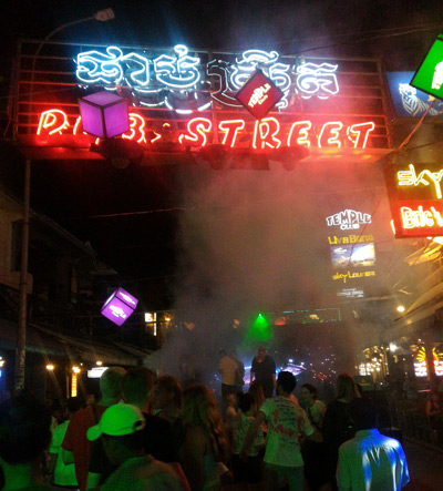 kamboçya gece hayatı siem reap pub street
