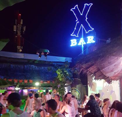 kamboçya gece hayatı x bar