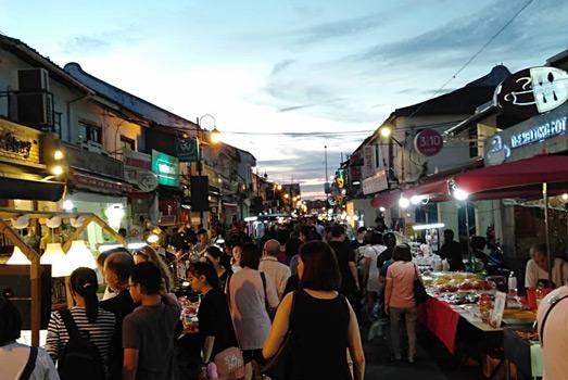 Melaka gece hayatı malezya gezilecek yerler