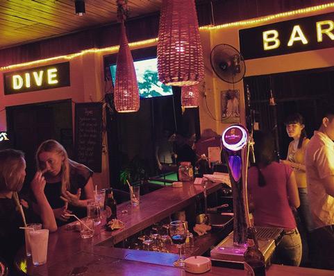 vietnamgece hayatı hoi an city dive bar