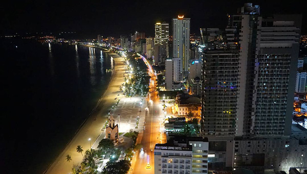 vietnam gece hayatı nha trang skylight 360