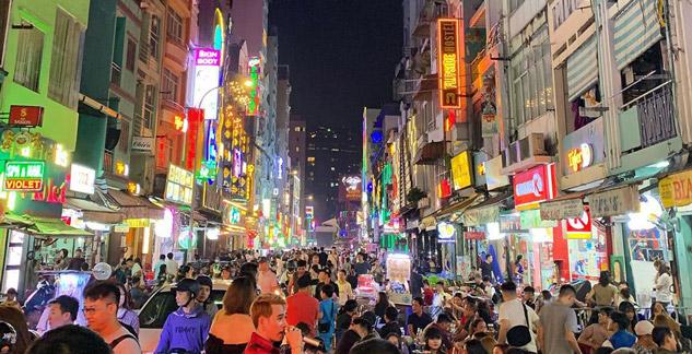vietnam ho chi minh city gece hayatı walking street