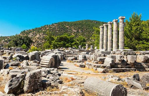 didim gezilecek yerler priene antik kenti