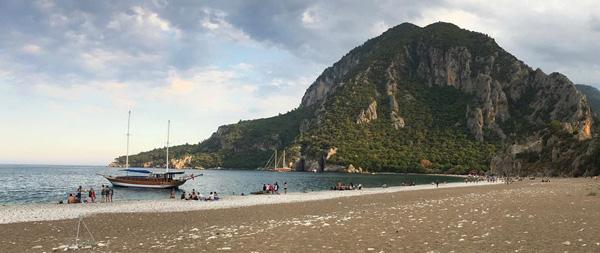 olimpos antik kenti plajı