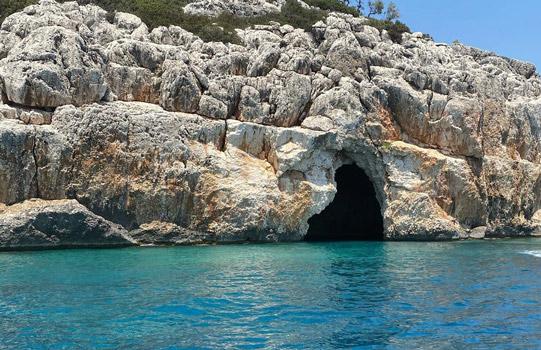 demre kaş kekova gezilecek yerler korsan mağarası