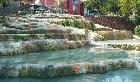 karahayıt kaplıcaları kırmızı su