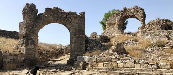 aspendos antik kenti tiyatrosu nerede nasıl gidilir özellikleri giriş ücreti