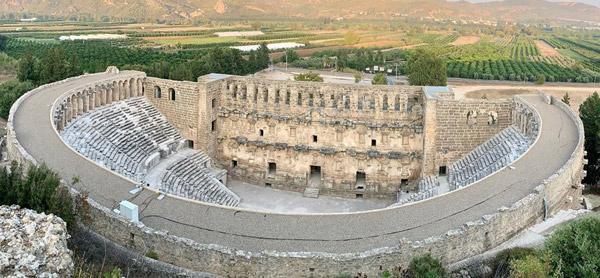 aspendos antik kenti tiyatrosu nerede