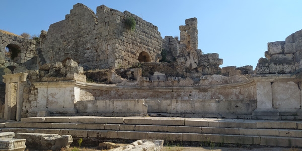 caracalla çeşmesi perge antik kenti nerededir giriş ücreti