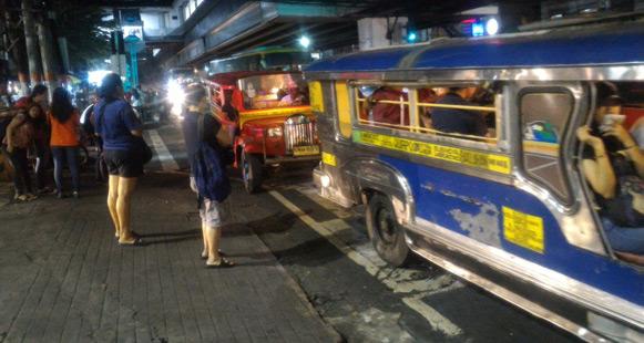 Filipinler başkenti şehir içi ulaşım jeepney