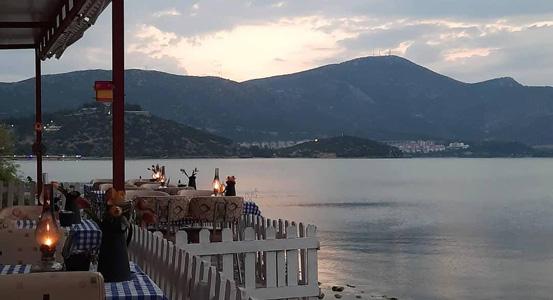 selanik cafe restaurant kahvaltı akşam yemeği eğirdir gölü gezilecek yerler