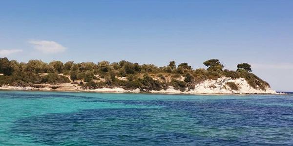 Garip Adası Dikili kamp alanları yüzülecek yerleri plajları koyları tekne turları