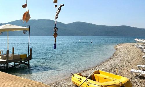 Akyaka denize girilecek yerler Çınar Beach plajı giriş ücreti