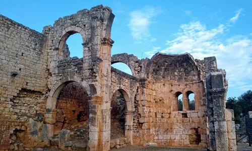 Mersin gezilecek tarihi turistik yerler Kanlıdivane Antik Kenti gezi rehberi