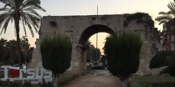 Meşhur Kleopatra Kapısı Arabayla Akdeniz turu Mersin Gezisi