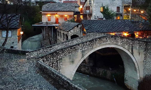 Mostar gezilecek yerler listesi Eğri Köprü