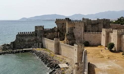Tarihi Mamure Kalesi Mersin gezilecek yerler turistik gezi rehberi