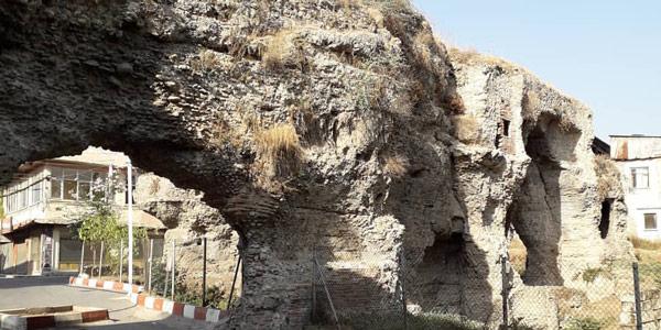 Tarsus gezilecek yerler tarihi Roma Hamamı kalıntıları Altından Geçme