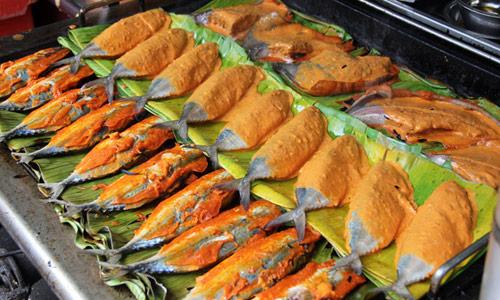 Malezya sokak yemekleri Ikan Bakar