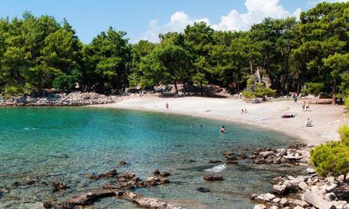 Phaselis Plajı Denize girilecek sakin yerler