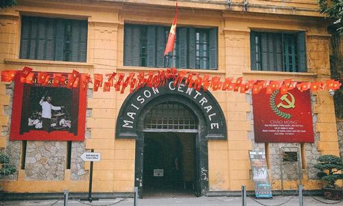 Hoa Lo Cezaevi Hanoi gezi rehberi