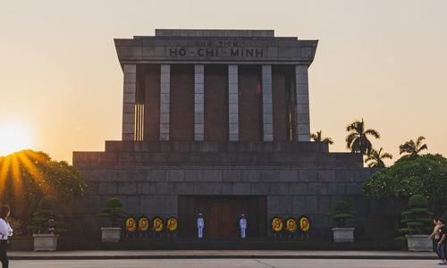 Ho Chi Minh Mozolesi Anıt Mezarı Güneydoğu Asya Hanoi turu