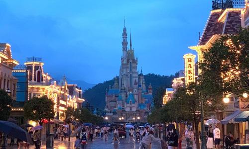 Disneyland Hong Kong gezilecek en güzel yerler